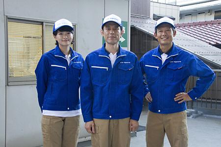 佐相役を演じるのは原田泰造さん(画面中央)。またクーパーズ社長・古田を鶴見辰吾さん(画面右)が、後にクーパーズで働くことになるゆきを榮倉奈々さん(画面左)が演じます。